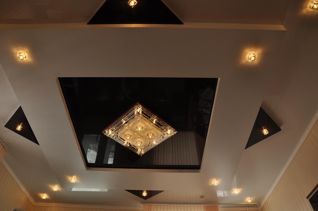 Квадратный метр дизайн потолков